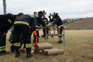Station Sägen beim Feuerwehrwettkampf