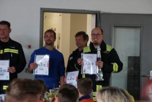 Siegertreppchen zum Feuerwehrwettkampf