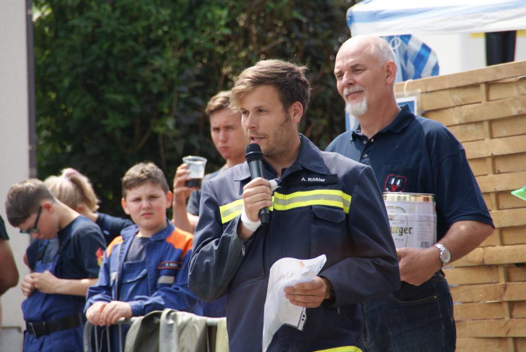 Kamerad Rößler hält Rede in Ockerwitz